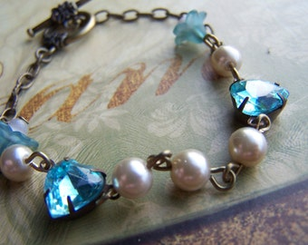 Dainty Aqua Pearl Vintage Heart Flower Bracelet