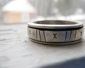 Rustic X Spinner ring size 8.25