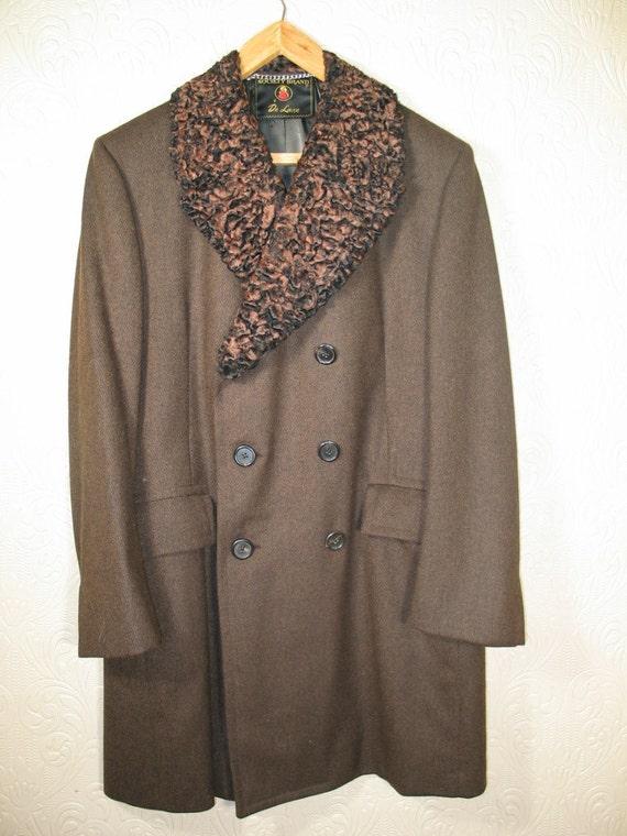 Vintage Society Brand Deluxe herring bone patterned wool coat with genuine RARE Swakara Lamb fur collar 46 chest pristine condition