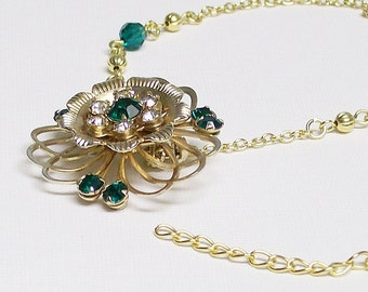 Necklace Emerald Green and Gold with Vintage Brooch