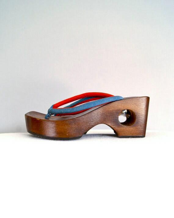 wood wedge heels // 1960s mod sandal shoes