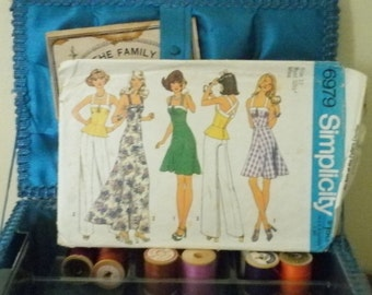 1970s summer halter or dress pattern size 10 bust 32.5 inches Simplicity 6979