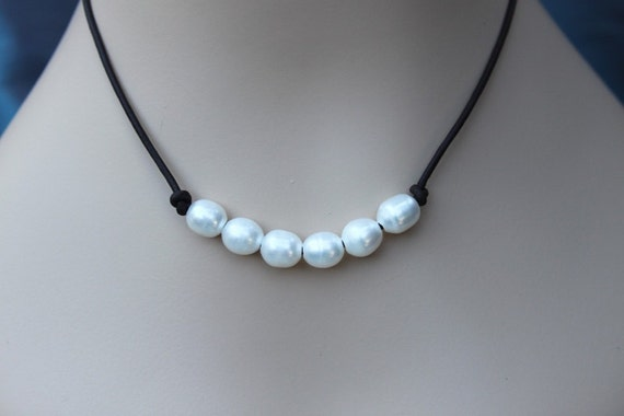 oval freshwater pearls and leather necklace