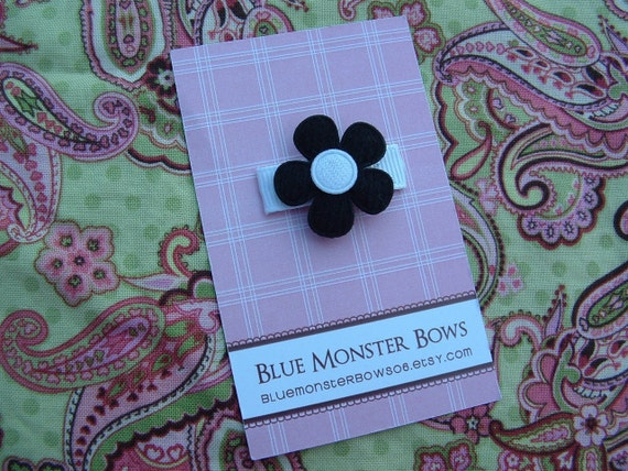 ONE DOLLAR CLIP Black Flower with White Center Baby Snap Clip No Slip