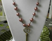 Vintage Rose Pearl and Antique Brass Skeleton Key Necklace - FREE Worldwide Shipping - Christmas Clearance