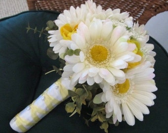 Spring gerbera daisy wedding bouquet in white and yellow, bridal bouquet