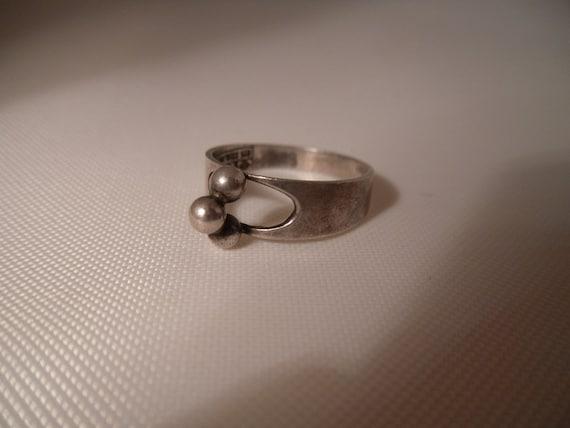 Erik Granit Finland Modernist Sterling Petite Ring. 1975. Size 7