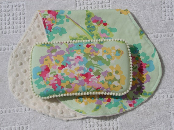 LAST ONE-The Couture Mama Diaper Wipe Case and Burp Cloth Set In Amy Butler's Water Bouquet in Mint