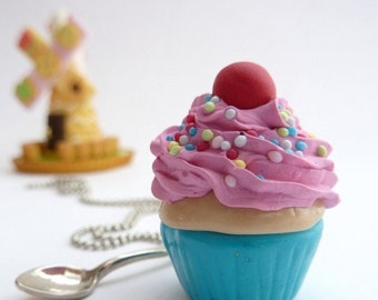 Cupcake Necklace -polymer clay fimo fake cupcake Pendant alice in wonderland with spoon Charm pink frosting great for katy perry costume