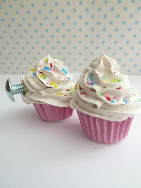 DRAWER PULLS  fake cupcake set of 2 cabinet pull drawer knobs (kitchen,bakery,girls room, coffee shop) white icing
