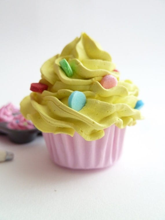 FAKE CUPCAKE - cupcake ornament ,cupcake magnet ,cupcake car mirror charm ,cupcake christmas ornament , yellow Icing mini size