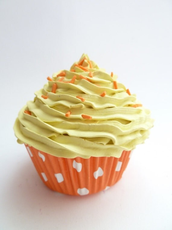 Realistic fake cupcake for kitchen decoration,shower favor, christmas tree ornament wedding,coffee shop,display yellow icing unique gifts