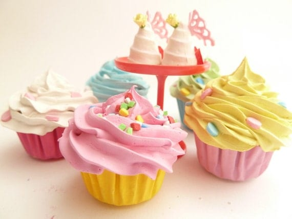 Christmas Decoration Ornaments Set Of 5 Fake Mini Cupcakes alice in wonderland  Theme assorted colores