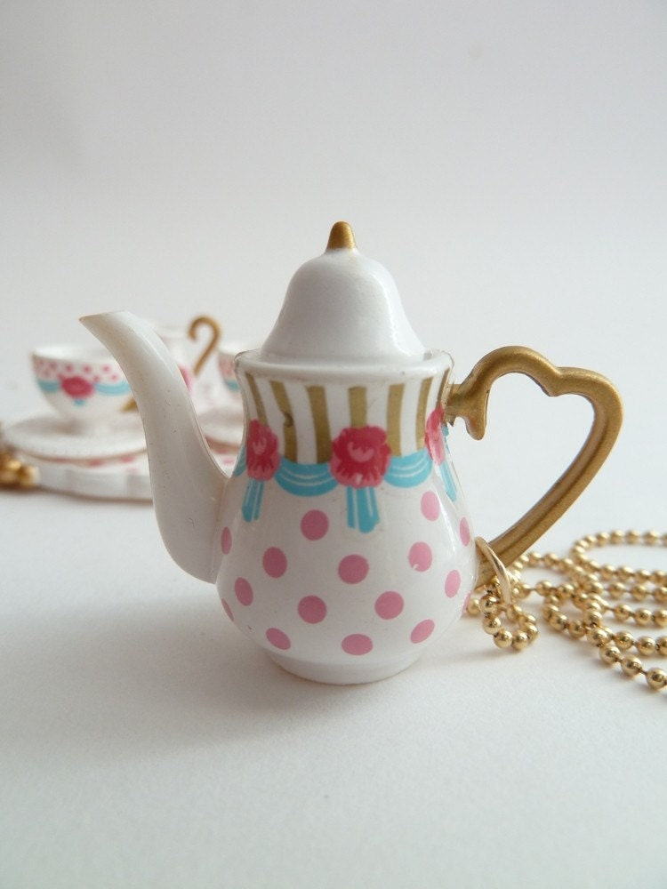 Princess Teapot Necklace Pendant Alice In Wonderland