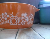 Pyrex 2.5 liter Casserole Burnt Orange Rare Unknown Pattern