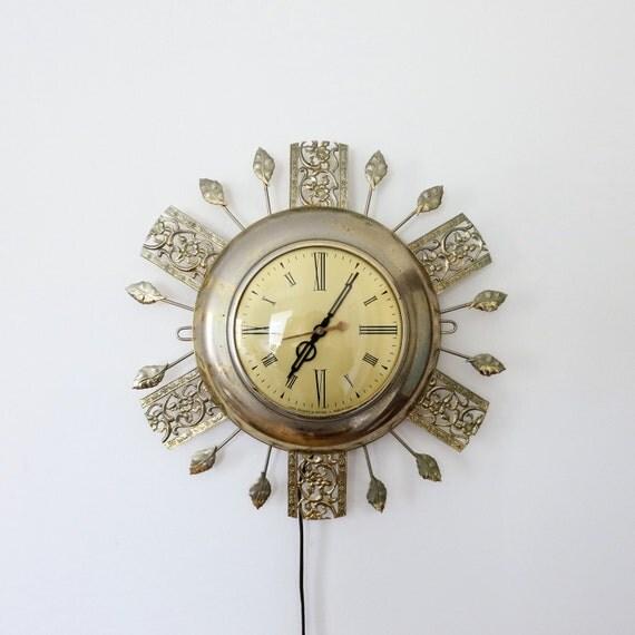 Vintage Mid Century Metal Starburst Electric Clock Wall Hanging Gold
