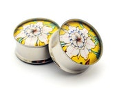 Japanese Flower Picture Plugs gauges - 16g, 14g, 12g, 10g, 8g, 6g, 4g, 2g, 0g, 00g, 1/2, 9/16, 5/8, 3/4, 7/8, 1 inch STYLE 13