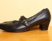 Vintage 1980s Low Heel Mary Janes in Black Leather - Size 9.5