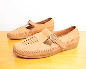80s T Strap Mary Janes in Camel / Tan / Nude Woven Suede by Dexter - Size 7 Womens