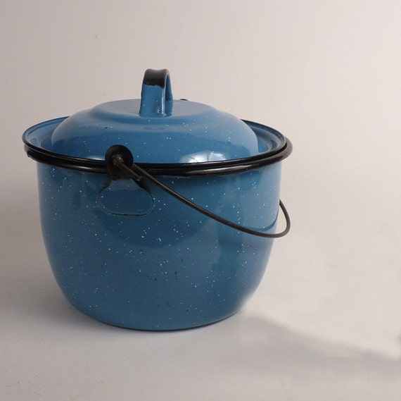 Vintage Camping Enamel Pot Metal With Lid  Handle Turquoise Aqua 2 Quarts Holiday Gift