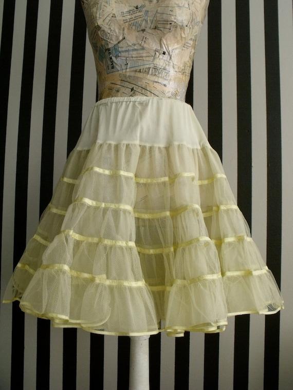Fun Petticoat, Crinoline, 1960's, Very Full, Yellow, Square Dancing, Clogging, Burlesque, Costume