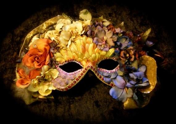 Masquerade Mask: Carnival Queen