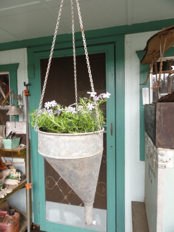 Vintage Garden Hanging Planter Galvanized Rustic Farmhouse Metal Basket