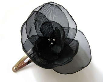 black poppy flower snap clip