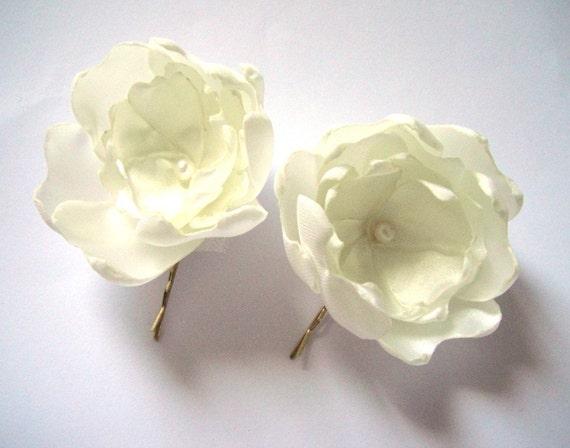 cream white peony blossom wedding flower hair pin (1 piece)