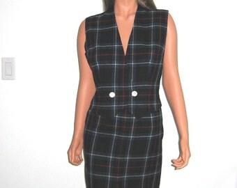 Pendleton Plaid pencil skirt and matching vest, Vintage 1960, MINT, wool.  Size 14, large