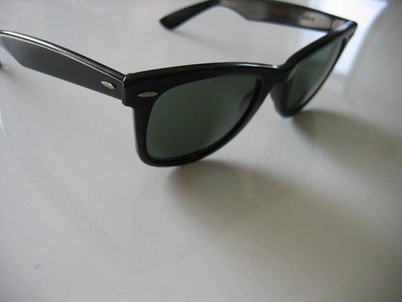 B and L Ray Ban Wayfarer Sunglasses.  Classic Vintage Black Ray Bans. 5024 glasses