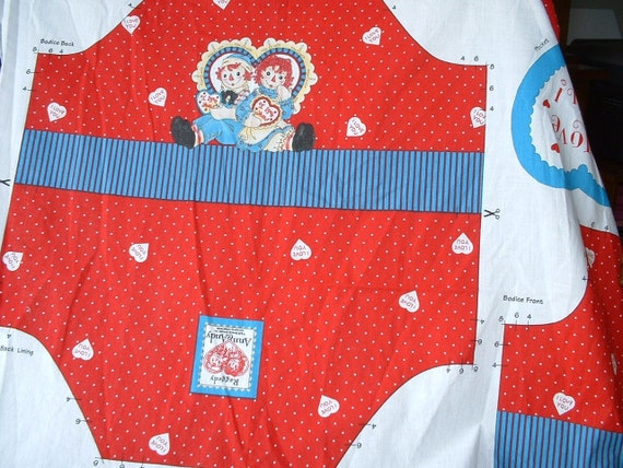 "Fabric Bib/Bodice Top, 2 ""I Love You"" Heart Shaped Pockets Raggedy Ann & Andy by Daisy Kingdom - Price Reduction"