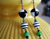 Vintage 1980s Black White Green Lightweight Long Hanging Earrings