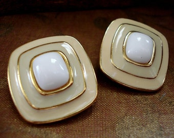 Vintage Trifari Cream Clip Earrings