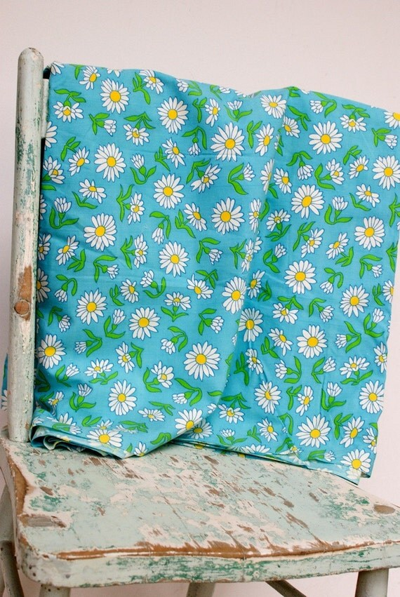 INVENTORY SALE...Vintage Fabric Yardage, 3 3/4 yards...cLeArAnCe Price Reduced