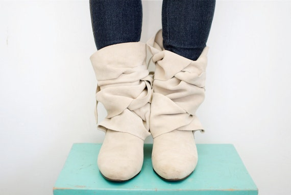 Vintage Suede Hungarian Boots by Innocence...Womens size 6.5 6 1/2 or 7