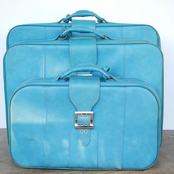 Vintage Blue Luggage / Set of 3 Nesting Suitcases / BANTAM