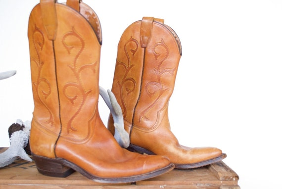 Vintage Womens Leather Cowboy Boots / Size 5 1/2 5.5 or 6 / WRANGLER