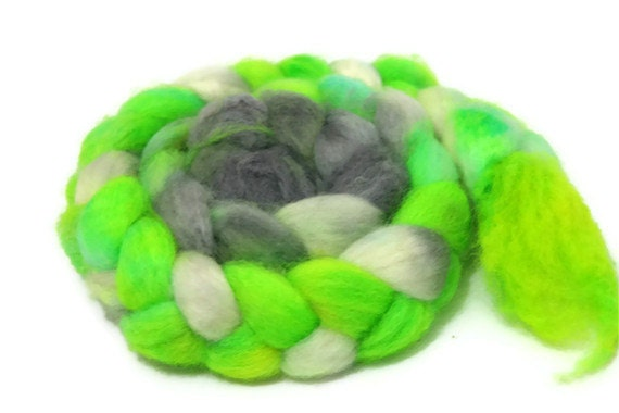 Flow - hand dyed Superwash BFL roving