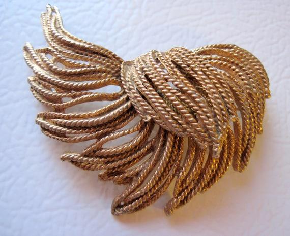 Large Vintage Gold Twisted Rope Brooch