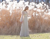 Vintage 1970s Wedding Dress in Cream Lace Gunne Sax Style Small to Medium
