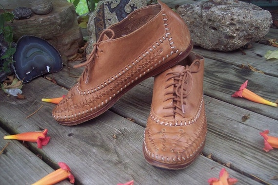 Vintage BARE TRAPS Woven Leather Moccasin PIXIE Boots Size 7