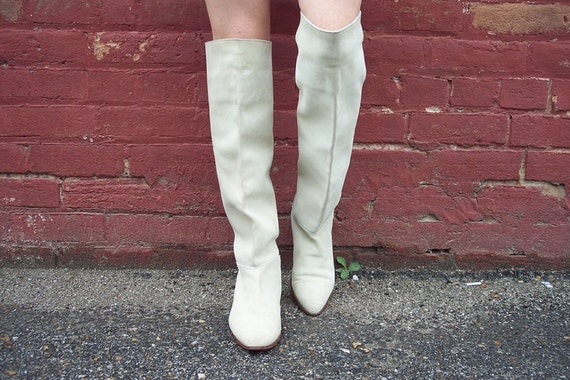 vintage 80s thigh high winter white suede slouch boots size 9