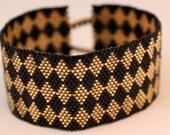 Peyote Bracelet - Black and Gold Diamond