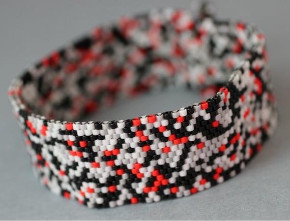 Peyote Bracelet - Black, Gray, White and Red Bracelet