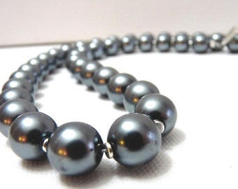 Deep Gray Pearl Necklace (12mm)