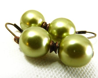Simply Spring Green Pearl Earrings - copper & brass