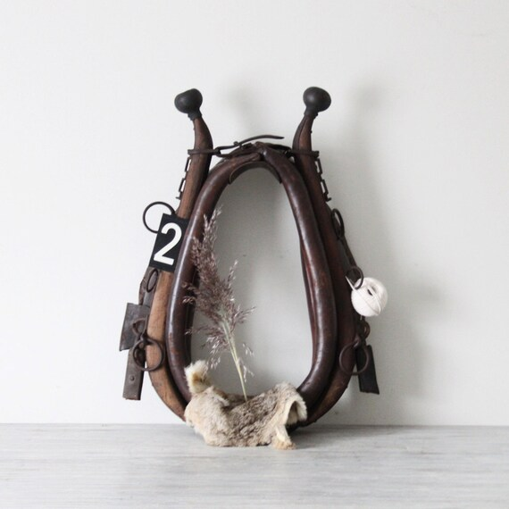leather horse collar with hame