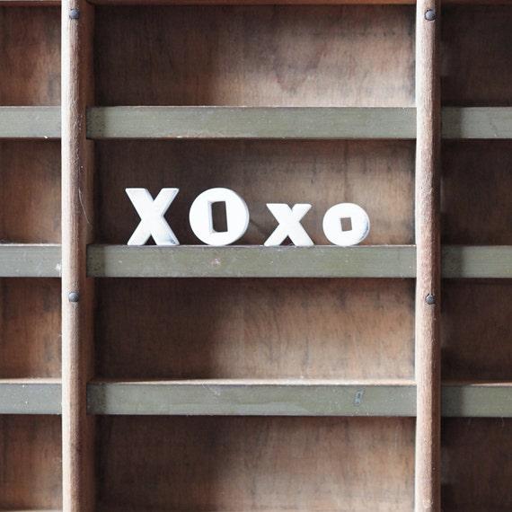 XOxo / vintage push pins / ceramic letter / hug and kiss