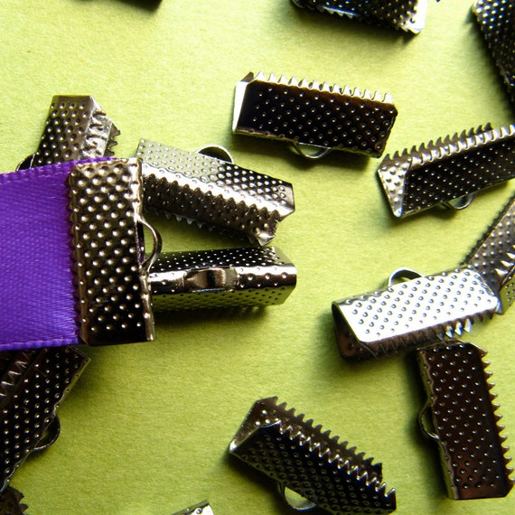 16pcs. 16mm or 5/8 inch Black Chrome or Gunmetal Ribbon Clamp End Crimps